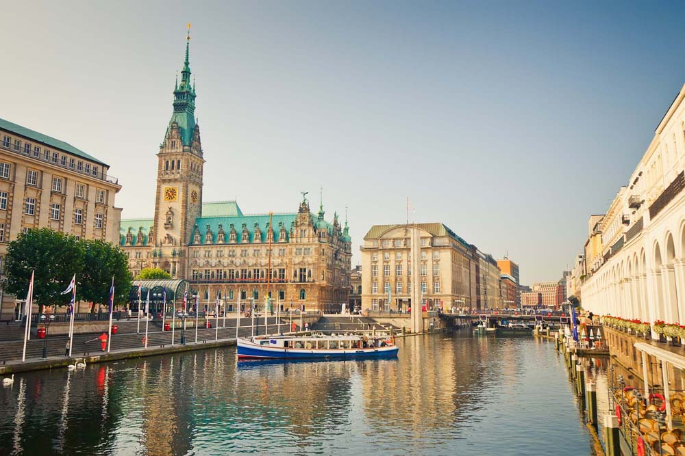 German language courses school vacation study abroad in Hamburg, Germany